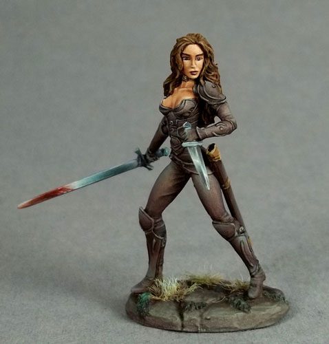 Female Rogue de Dark Sword Miniatures
