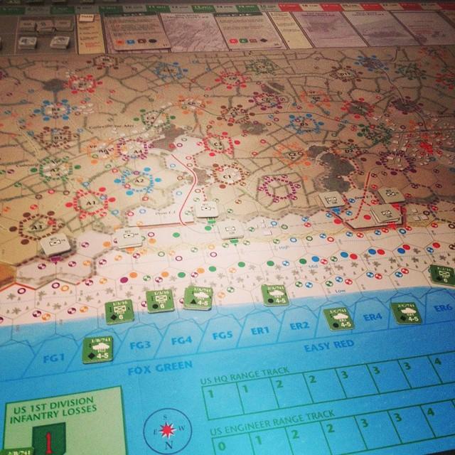 @MRCSDNDRS #partidadefinde #wargames 6:30 am Primeras unidades de la 1a División pisan Omaha Beach
