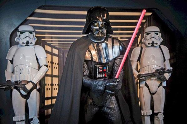 Darth Vader y troopers