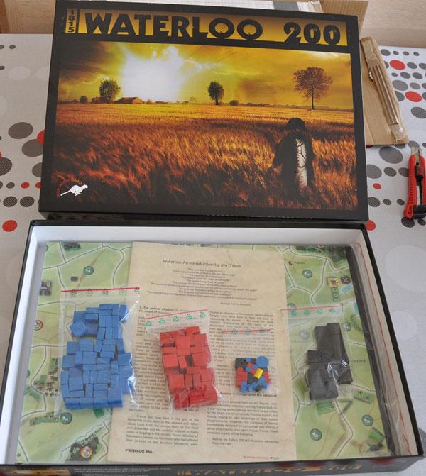 Contenido del jeugo Waterloo 200