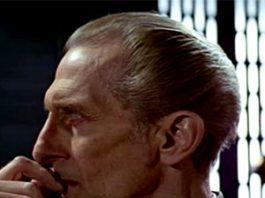 Peter Cushing como Moff Tarking