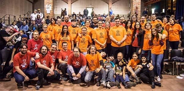 Algunos de los miembros de ayudar jugando, responsables de las jornadas solidarias 2016
