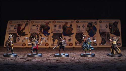 Miniaturas y cartas de The Waylanders