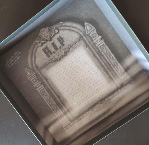 Detalle de la caja interior del juego de tablero Cerbero