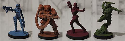 Miniaturas de los personajes de Infinity Defiance