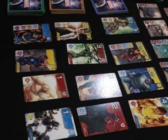 Prototipo del juego de mesa Splendor Marvel
