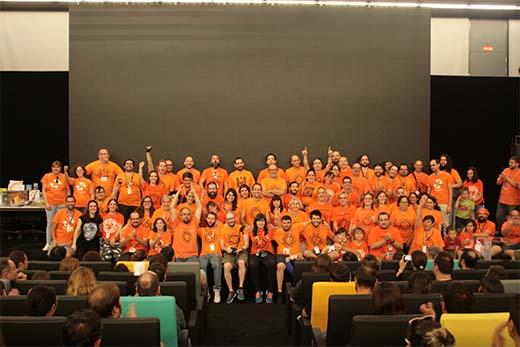 Camisetas naranjas de las jornadas Ludo Ergo Sum