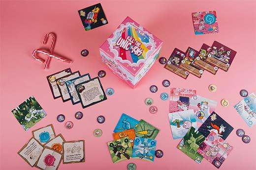Componentes del juego de tablero Kill The Unicorns
