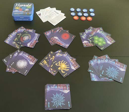 Componentes del juego de tablero Hanabi