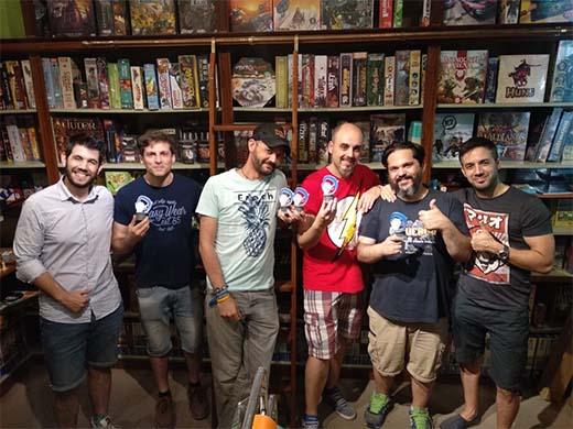 Richi Viera y los premiados por Destroqueladores