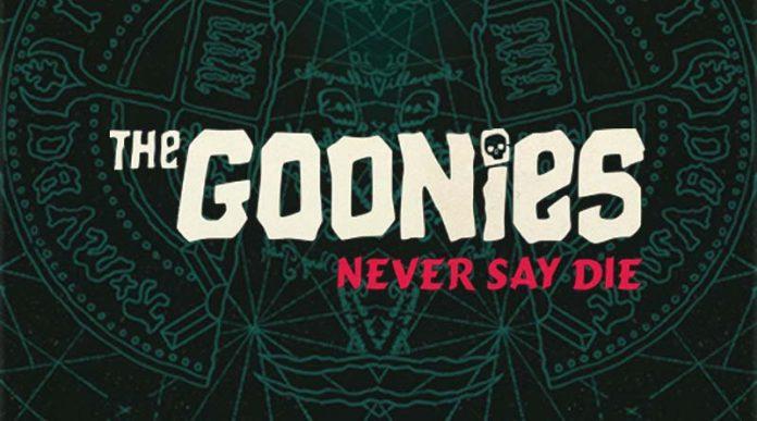 Logotipo del juego de mesa The Goonies Never Say Die